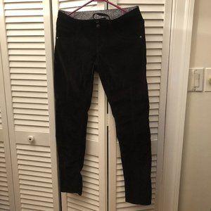 Athleta women corduroy black pants, size 4P, insea